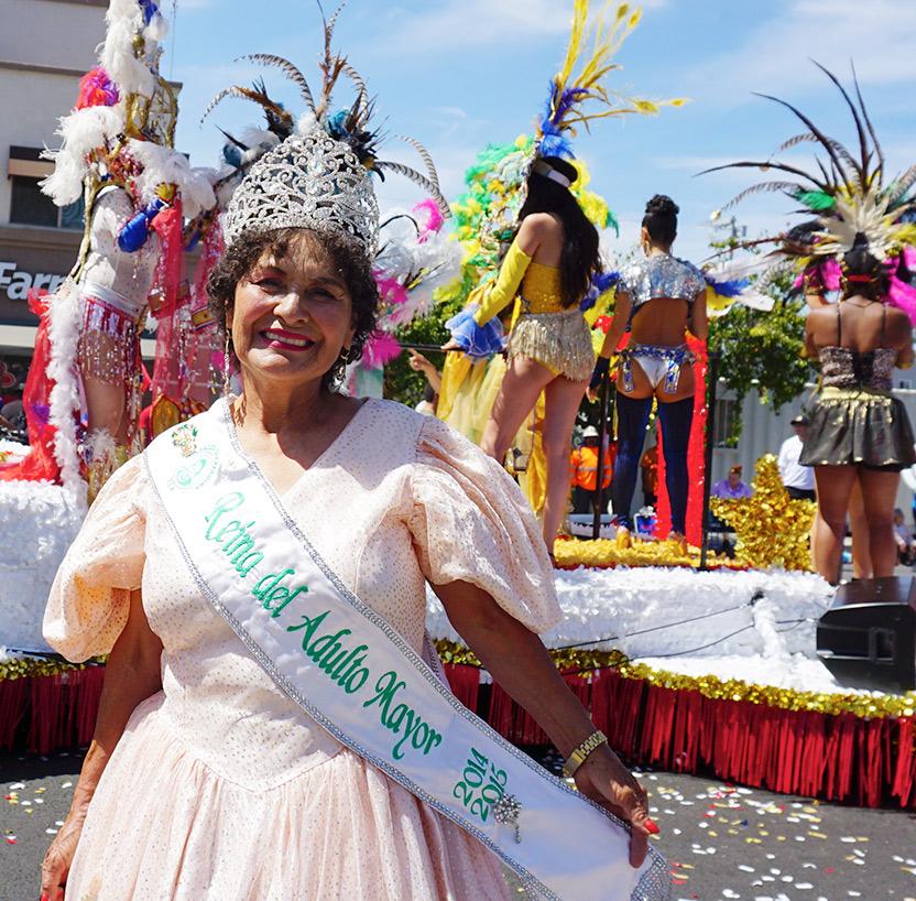 Reina del Adulto Mayor 2014-15 Vilma Estrada-Hollywood Carnival Parade, 06/29/19