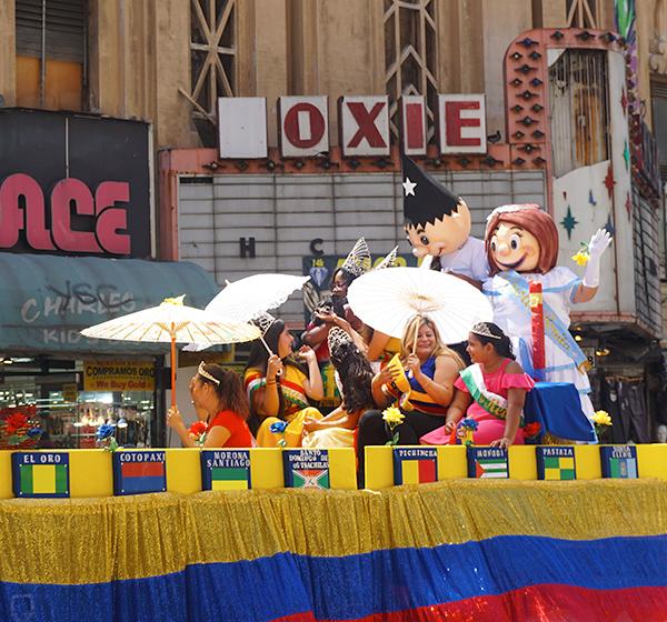 Ecuador Parade, Los Angeles, queen float-province flags,CPFPE, Comision Permanente de Fiestas Patrias Ecuatorianas, 08/04/19