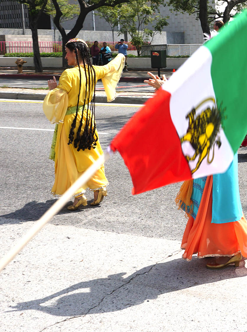 Norooz-LA-2016-parade-beginning-flag