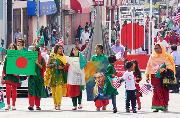 Bangladesh Day Parade Los Angeles 2018-National Martyrs Monument and Shahid Minar replicas