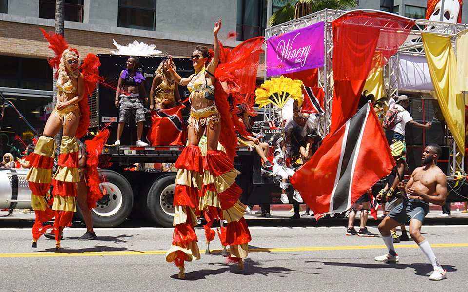 Winery Mas-stiltwalkers-Hollywood Carnival Parade-06/29/19