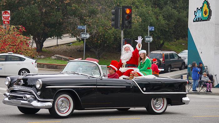 Echo Park-Community-Parade-santa-12-14-19